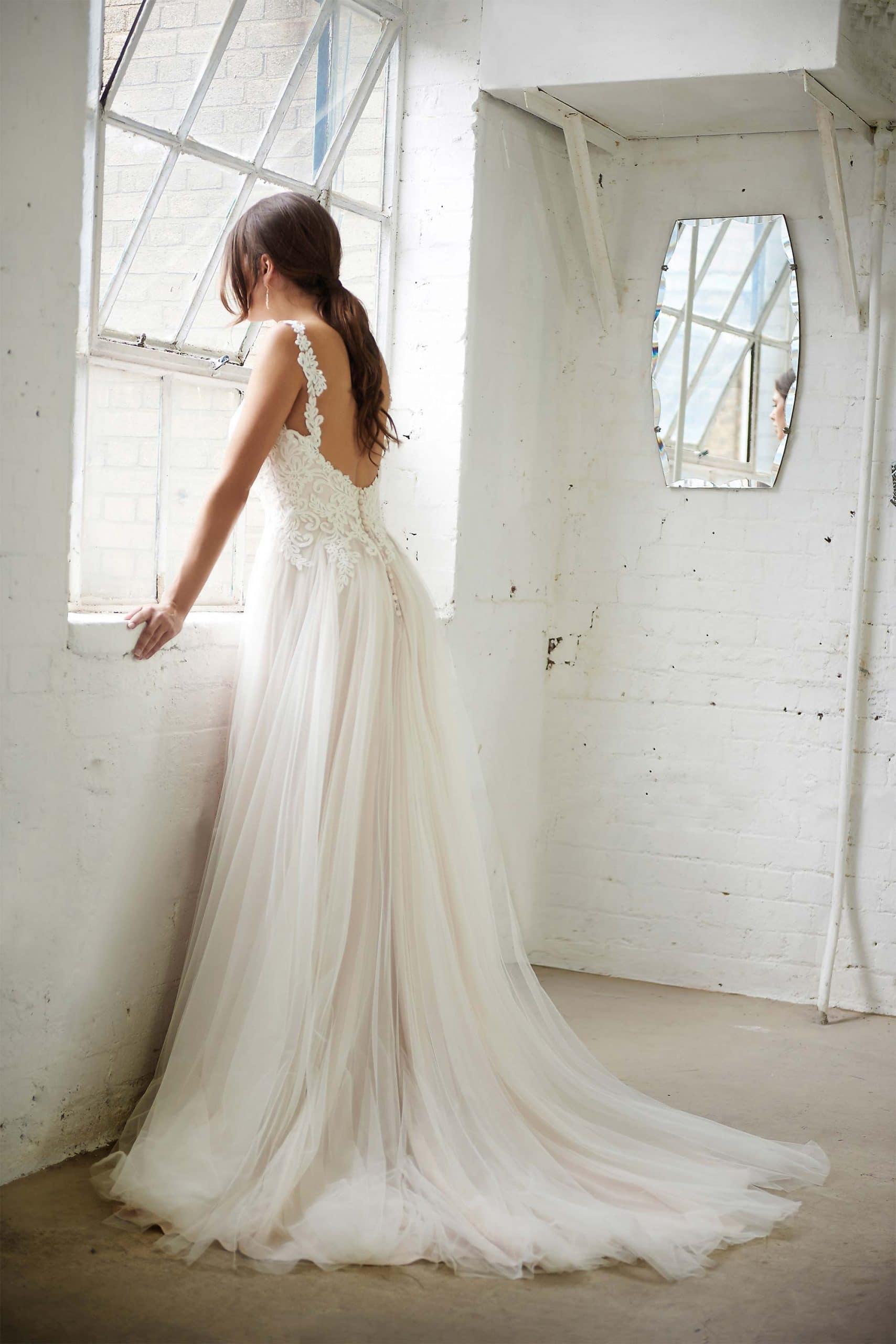 Boho wedding dress sweetheart neckline low back flowty tulle skirt blush skirt Florence 2