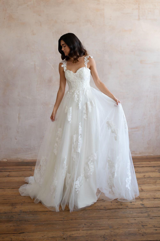 Bridal Shops Near Me Bridal Shops London Wedding Dresses Lace Lace Wedding Dresses Wedding Dress Lace Lace Wedding Dress Wedding Dresses Boho Wedding Dress 9 1