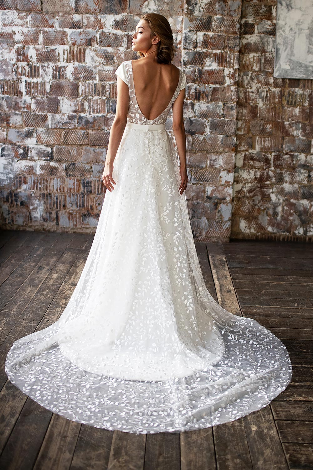 wedding dress detachable skirt wedding dress with detachable skirt crepe wedding dress with overskirt 16