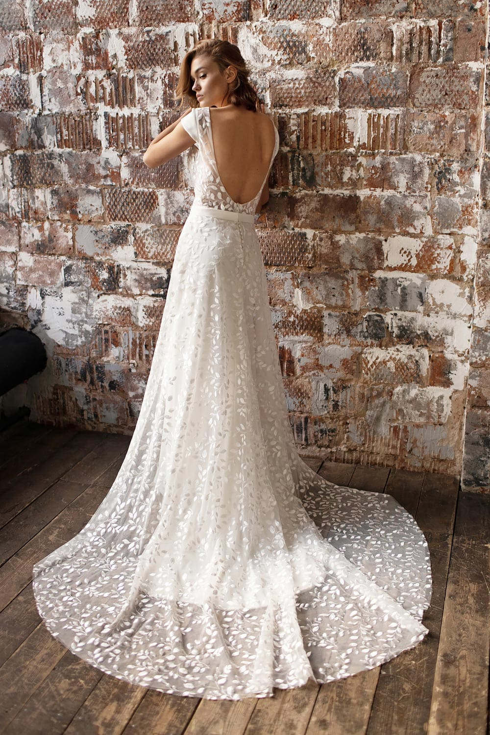 wedding dress detachable skirt wedding dress with detachable skirt crepe wedding dress with overskirt 18