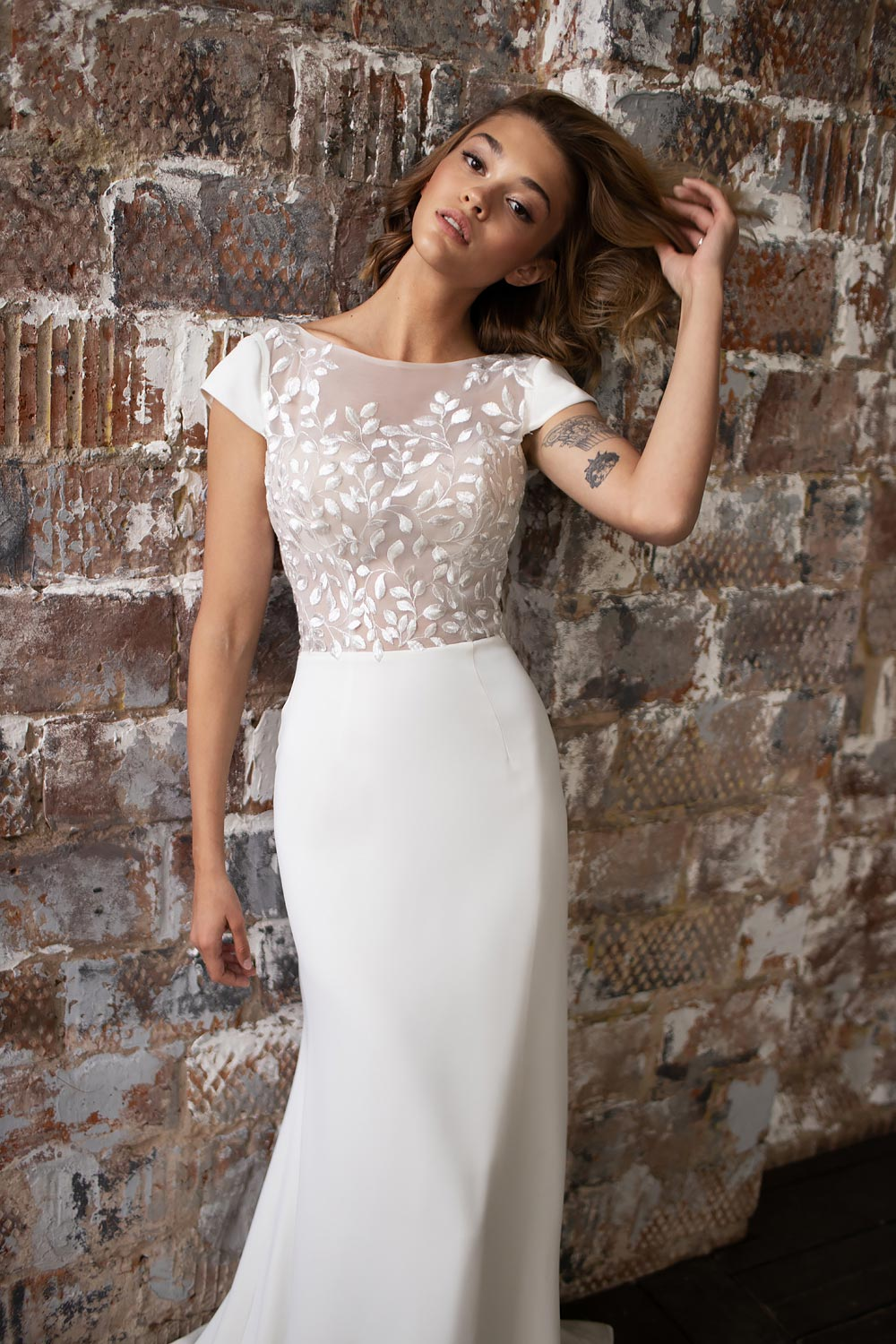 wedding dress detachable skirt wedding dress with detachable skirt crepe wedding dress with overskirt 3