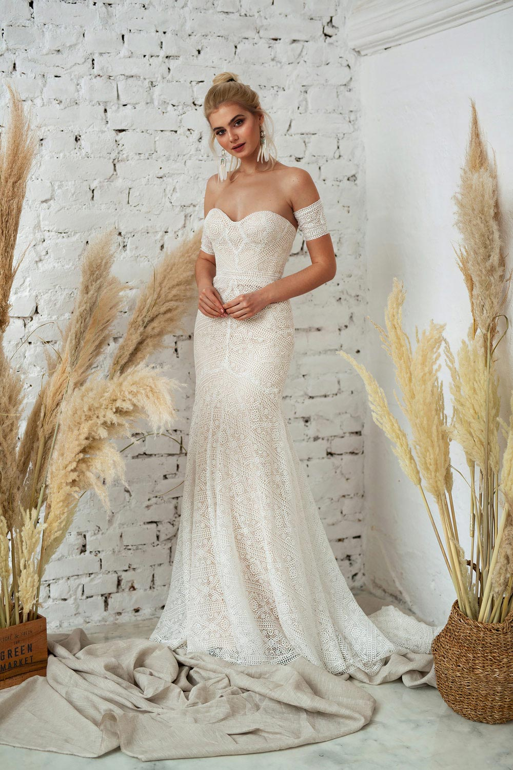 boho wedding dress, wedding dress shop